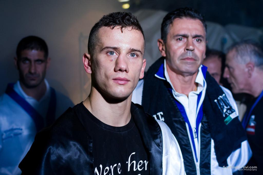 Manuel Lancia fa il suo ingresso sul ring